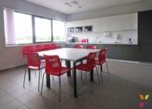 mobili-ufficio-arredo-per-seduta-sale-riunioni-attesa-11