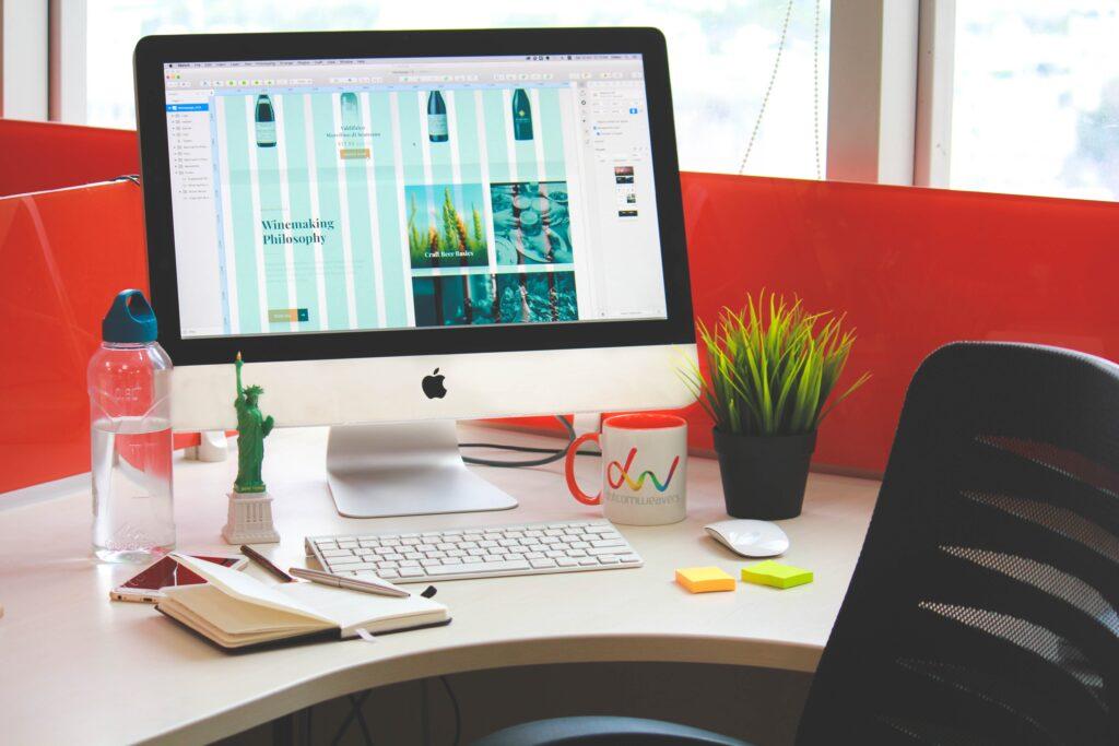 idee per organizzare la vostra scrivania